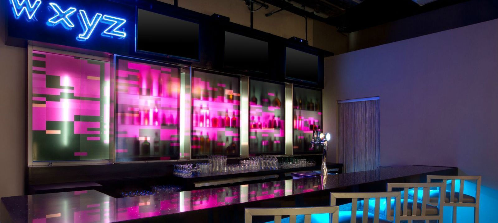 W XYZ® bar - Aloft Cancun